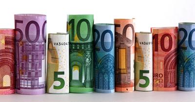 Leitfaden zum Lehramtsreferendariat 2021 - Geldscheine