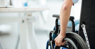 Unabhängige Finanzplanung & Beratung für Lehramtsanwärter und Referendare - Rollstuhlfahrer